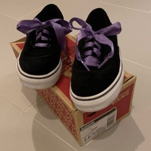 Black velvet Vans with purple laces - sz 2 youth